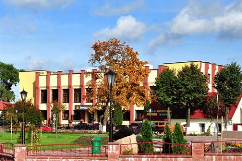 Площадь 17 сентября осенью